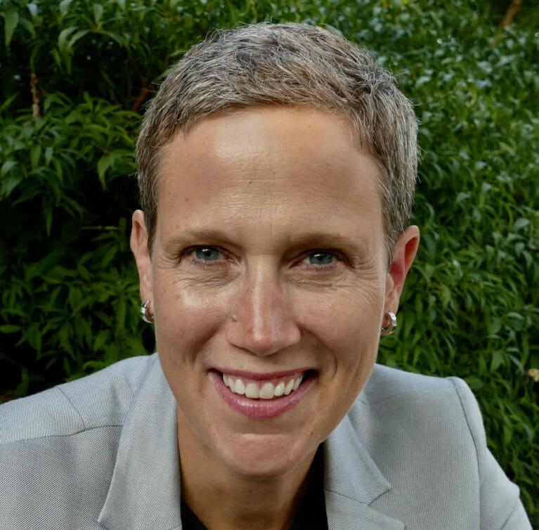 Rebecca Ryan Headshot