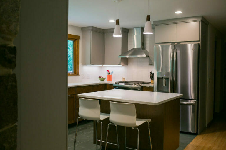 Near-west Madison, Wisconsin kitchen remodel with WoodHarbor cabinets, ceramic tile, and quartz countertops, designed and built by TDS Custom Construction.