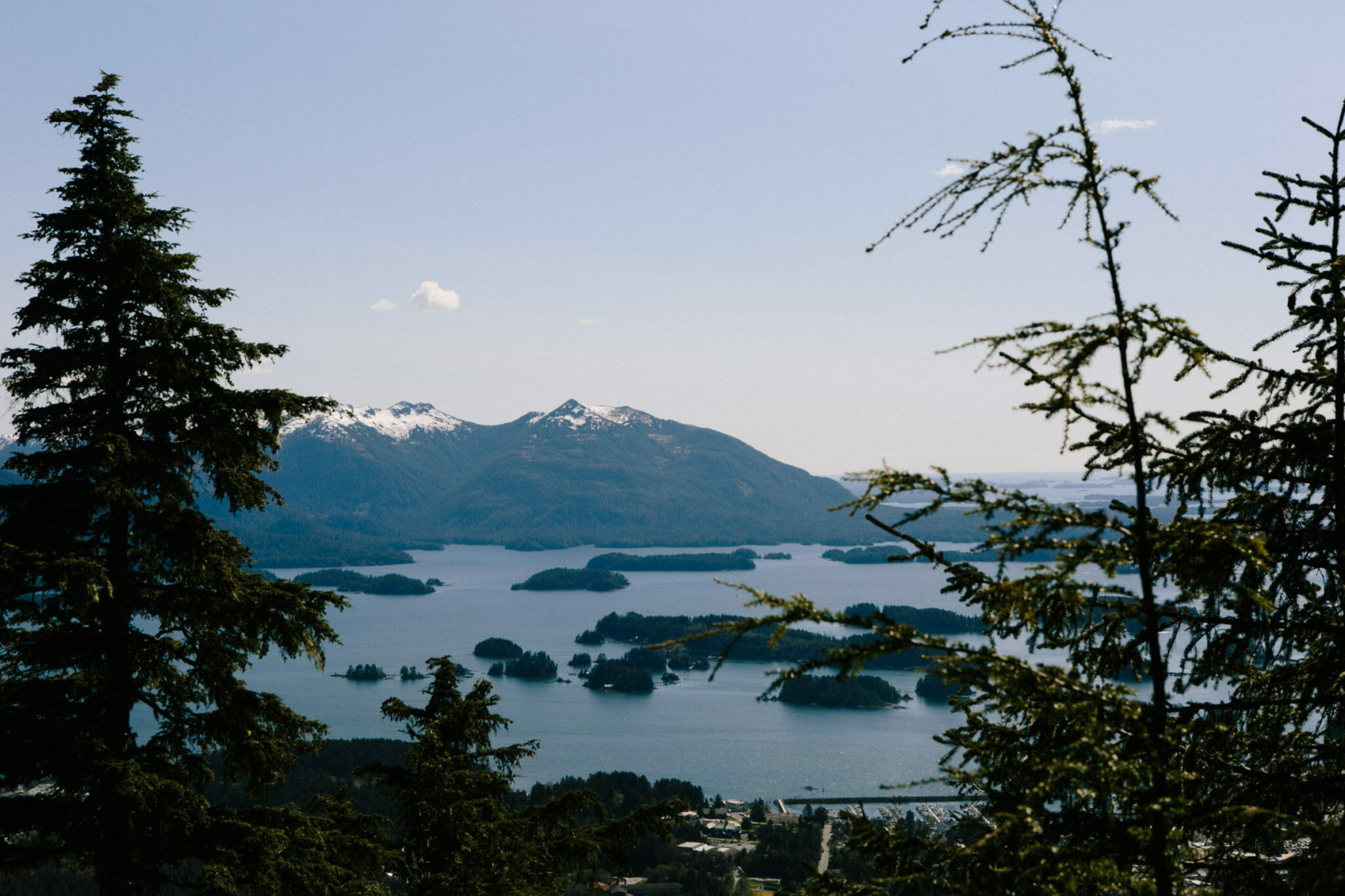 Scenic photo of mountains in Alaska